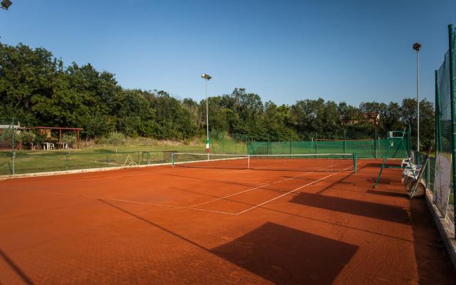 Campi da Tennis Finis Village Senigallia